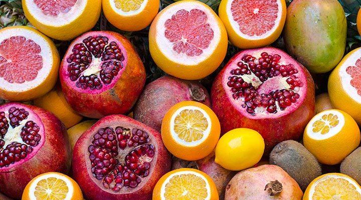 Granada y otras frutas laxantes